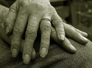 hands-grandmother1
