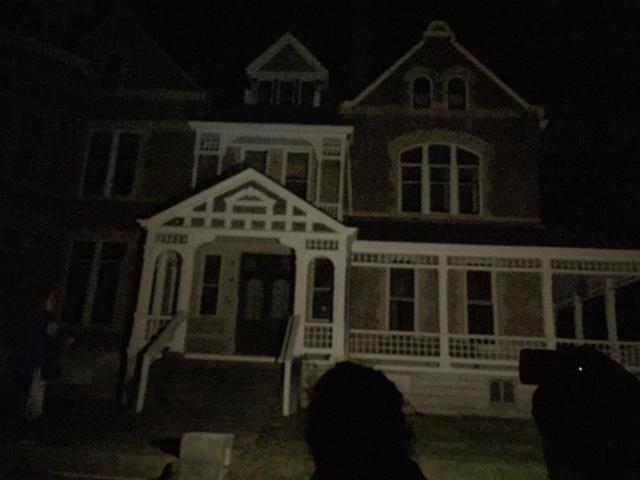 ripy-house-night